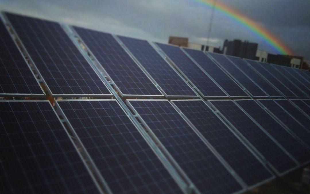 مقایسه نیروگاه های خورشیدی آنگرید و آفگرید